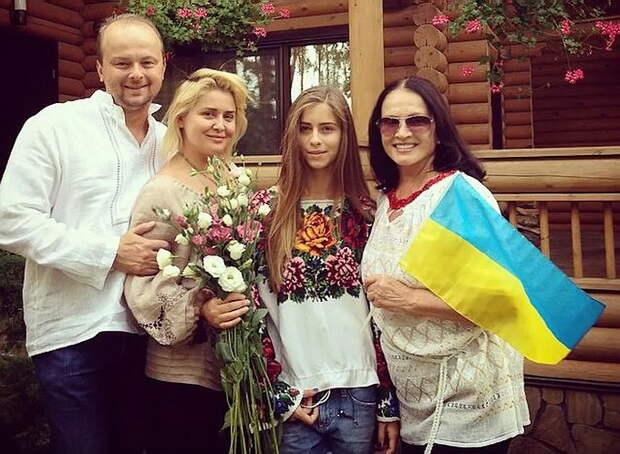 София Ротару, помогавшая АТО, снова выступает в России