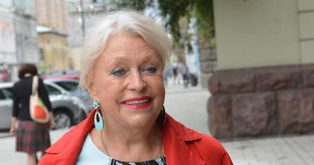 Вдова Караченцова призналась, что живет на деньги от аренды