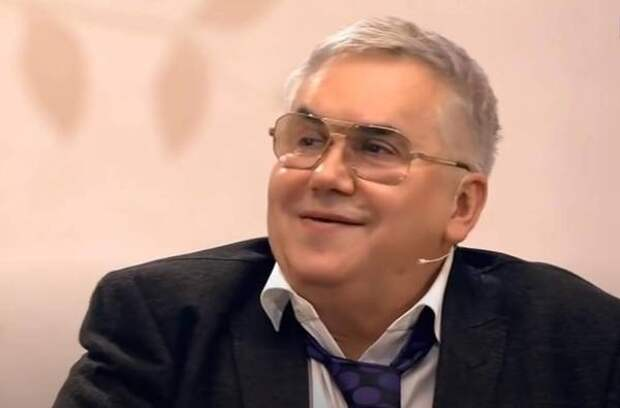 Стас Садальский посмотрел телешоу с Прокловой и вспомнил анекдот про орущую бабку
