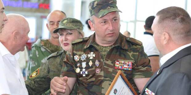 Украина и Азербайджан хотят добраться до известного командира крымских ополченцев