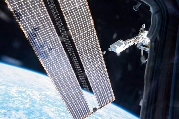 """Космонавты с МКС возвращаются на Землю на корабле """"Союз МС-17"""""""