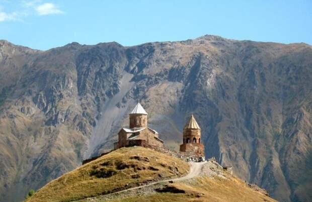 Гергетская Святая Троица — храм в горах Грузии