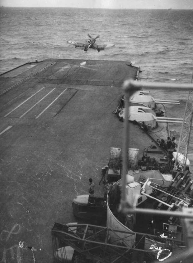 Corsair_taking_off_from_HMS_Illustrious_WWII_Flickr_3482486518