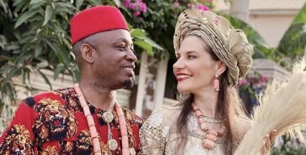 Елена из Беларуси уехала в Нигерию и родила 4 дочек от африканца