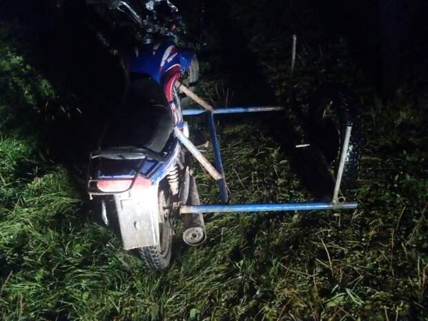Несовершеннолетний водитель мопеда в Удмуртии сбил подростка и скрылся
