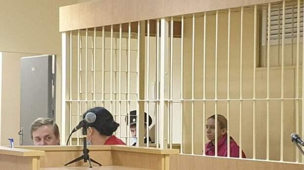 Суд в Петербурге выпустил обвиняемую в убийстве рэпера под домашний арест