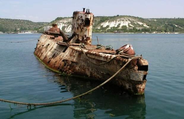 Один флот Киев угробил, на очереди второй