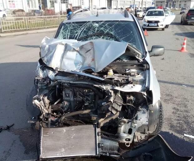 Легковушка врезалась в автобус в Соцгороде в Нижнем Новгороде