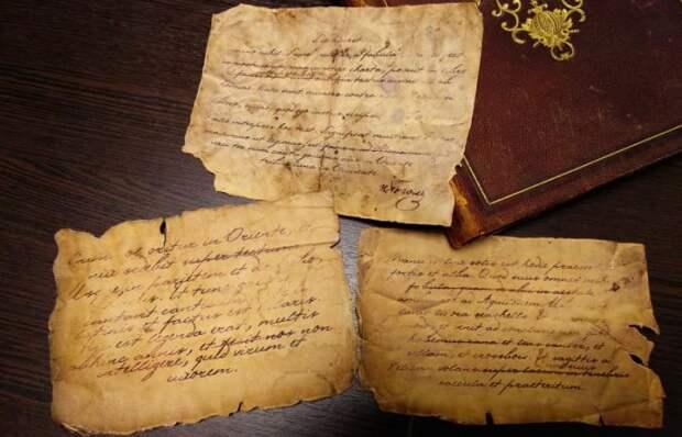 7 известных авторов, рукописи которых были найдены после их ухода