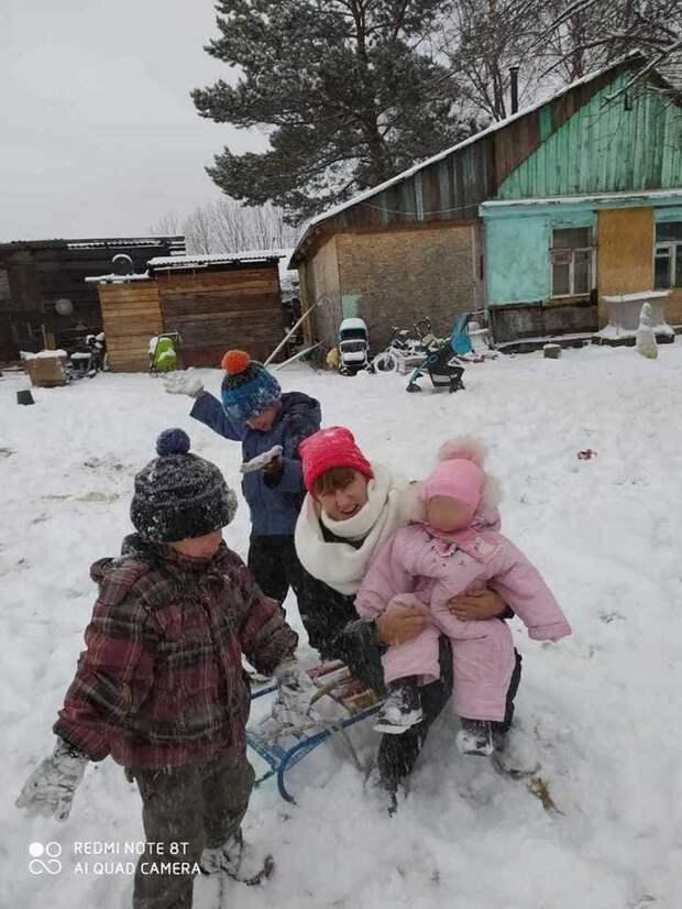 """""""Уксус на волосы, едим ритатушки"""": беднейшие россияне описали выживание"""