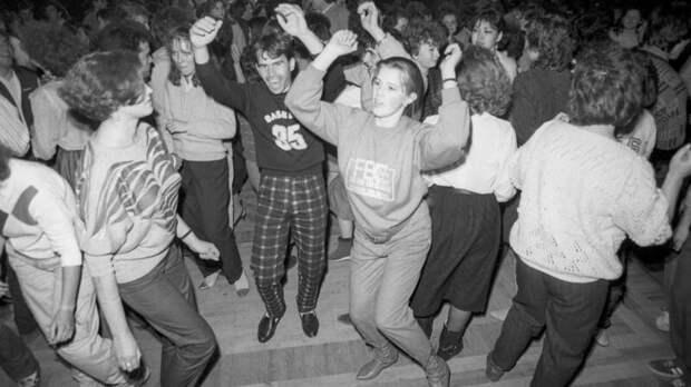 Что происходило на советских дискотеках?