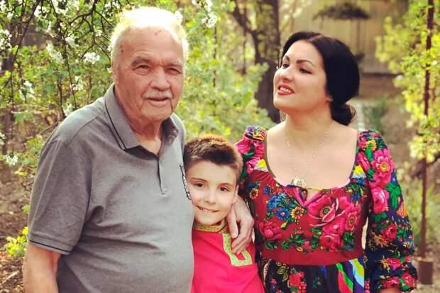 «Я папин, а не мамин»: 12 фото российских звезд и их отцов