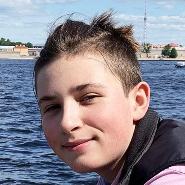 Митя Кравченко, 14 лет, несовершенный остеогенез, требуется курсовое лечение, 237516₽