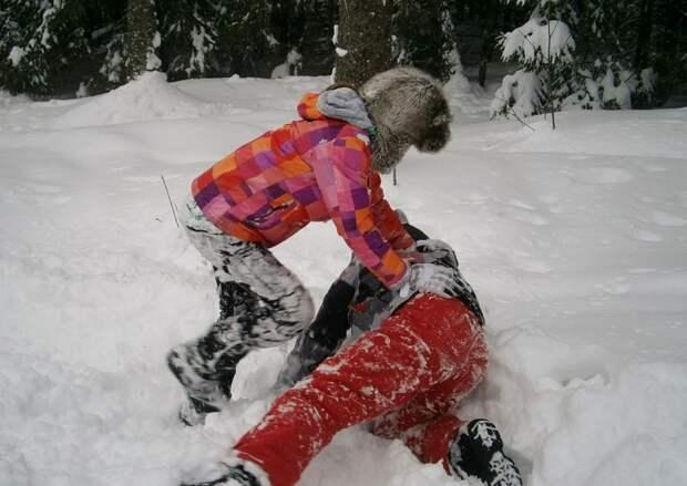 Ребенка насмерть задавило снегом в Калужской области