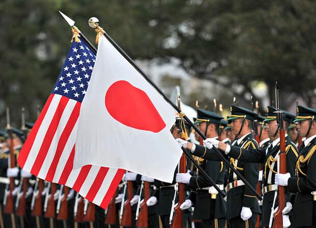 «Любит своих палачей»: Баранец напомнил Японии историю