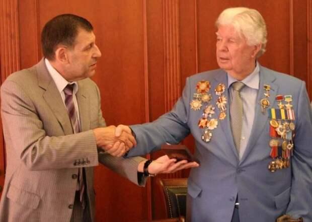 Порошенко и своего отца родного «подставил»