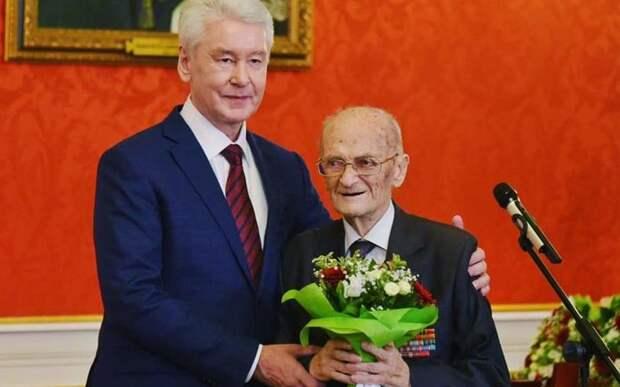 Профессор МАИ Александр Лисов получил медаль к 75-летию Победы