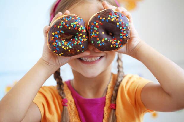 Ученые объяснили, как именно сахар влияет на наш мозг