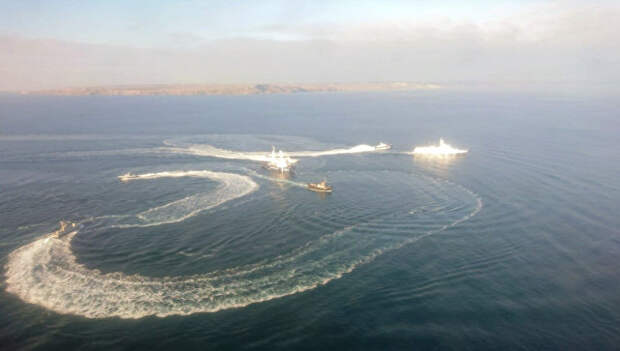 В ФСБ сообщили о задержании нарушивших границу украинских кораблей
