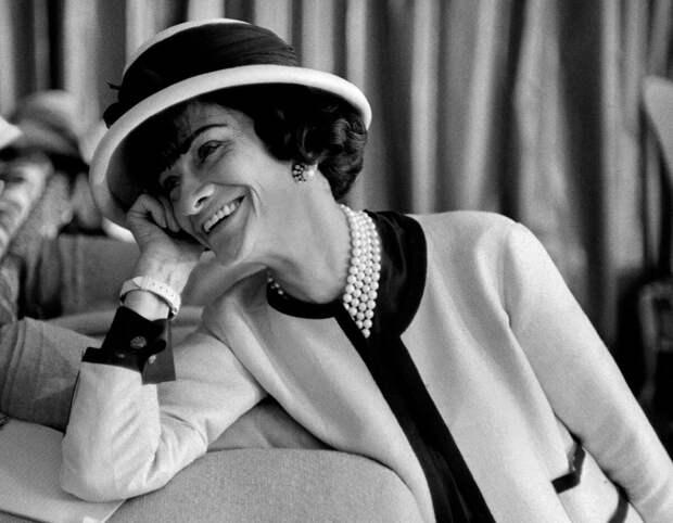 Советы от Коко Шанель, которые сделают вас иконой стиля, даже если вам за 50