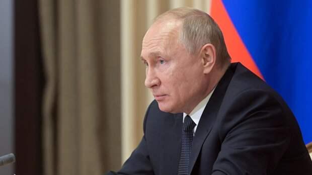 Путин заявил об особой ответственности чиновников