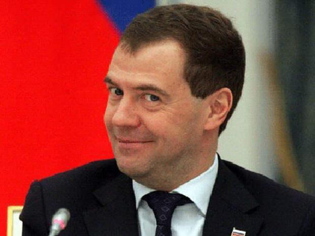 Медведев утвердил правила пользования кадилом