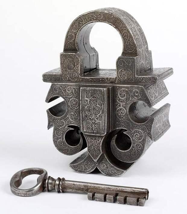 1. Навесной замок и ключ. Сталь. Южная Германия, 1580 год. искусство, история, факты