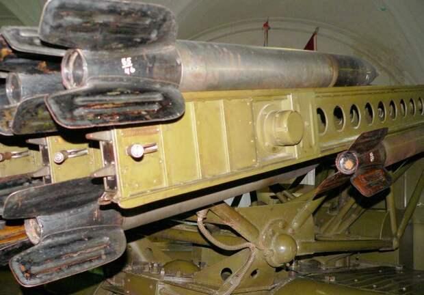 Установка залпового огня БМ-13 «Катюша» — оружие победы советского народа