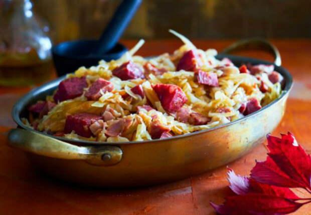Солянка на сковороде: жарим под панировкой