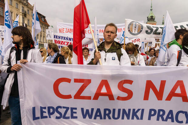 В Варшаве прошла масштабная акция протеста медиков