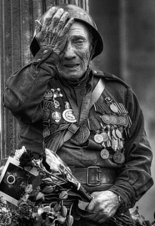 """Герой или мерзавец? Заслуженный ветеран или один из """"сыновей"""" лейтенанта Шмидта? История одного ветерана"""
