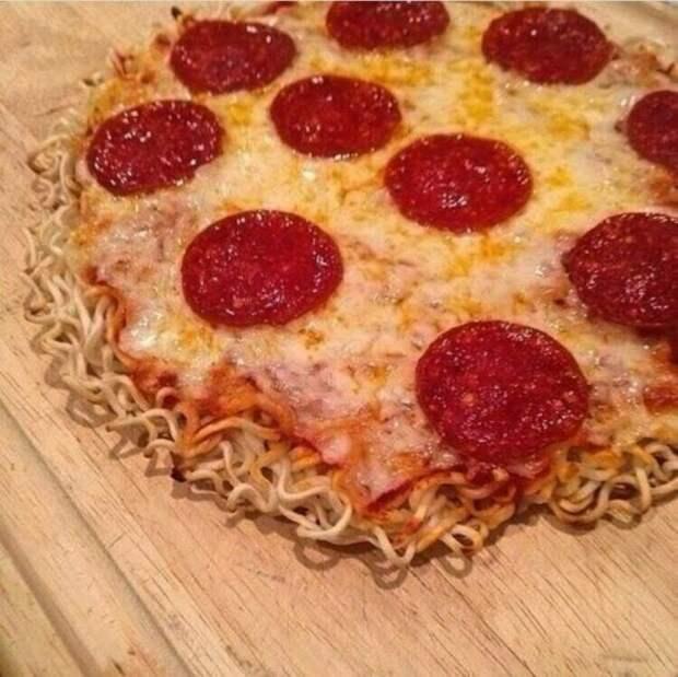 пицца на лапше