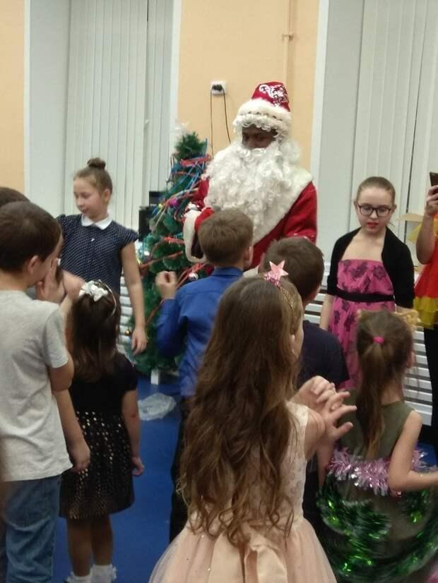 Если вы давно небыли на подобных мероприятиях, то вас многое должно удивить дед мороз, детский сад, новый год, прикол, снегурочка, утренник, школа, юмор