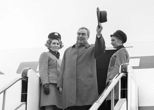 Инцидент над Средиземным морем: почему французский лётчик атаковал самолёт Брежнева