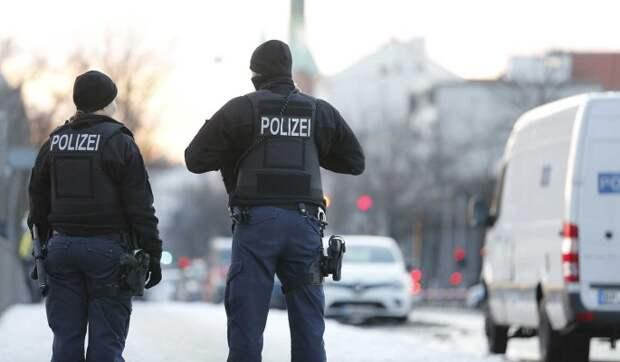 В Берлине полиция избила семью россиян и отобрала у них троих маленьких детей