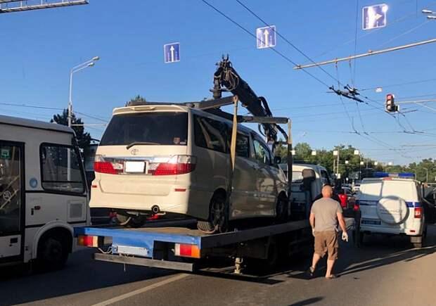 На Кубани на штрафстоянки отправили более 30 машин нелегальных перевозчиков