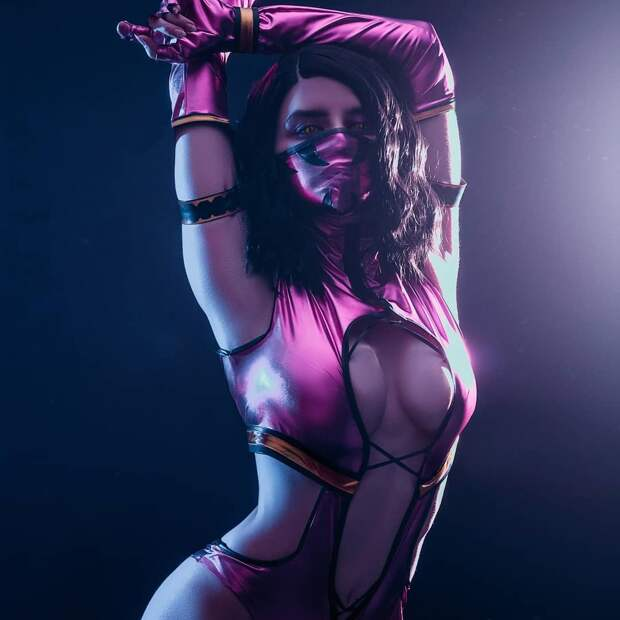 Mortal Kombat: Джейд, Китана и Милена косплей от Meiko Inoe