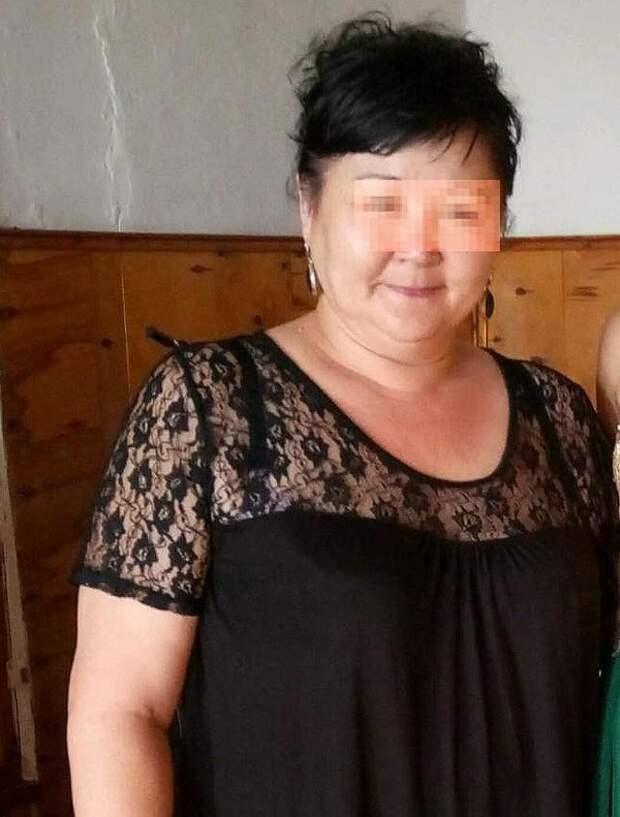 Россйско-школьный трэш: учительница ИЗО ударила ученика по голове, а затем пинками загнала под стол