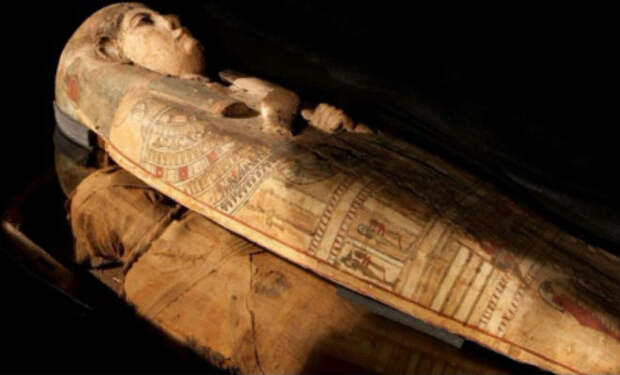 Саркофаг почти 100 лет хранил тайну: ученые нашли свитки, которые никто не замечал