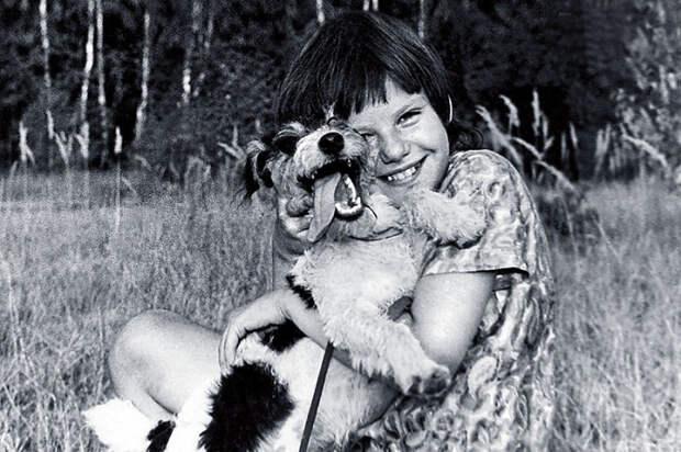 Александра Захарова в детстве. / Фото: www.7days.ru