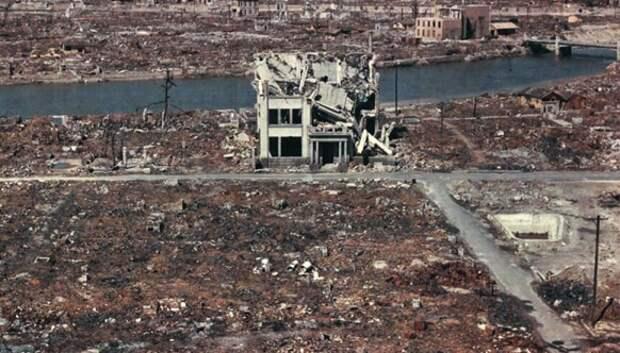 Ярче тысячи солнц: 20 страшных кадров в память о ядерном взрыве в Хиросиме