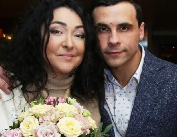 СМИ выяснили подробности о браке мужа Лолиты с женщиной, старше него на 21 год