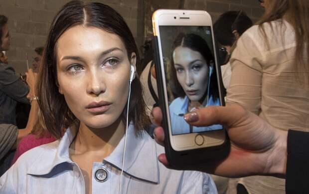 Как телефон икомпьютер старят кожу: молодая женщина ужаснулась последствиям излучения налице
