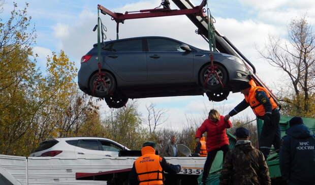 ВЕкатеринбурге мешающие уборке снега автомобили будут эвакуировать