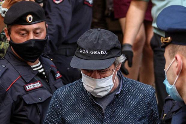 «Сидел, похрюкивал»: адвокат охарактеризовал поведение Ефремова всуде