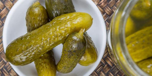 5 рецептов вкусных маринованных огурцов - Лайфхакер