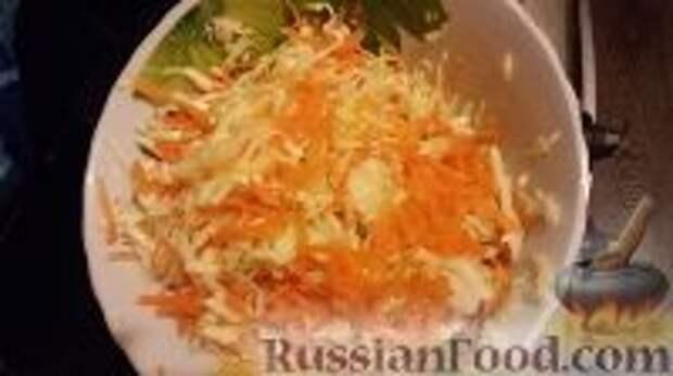 """Фото приготовления рецепта: Салат """"Витаминный"""" - шаг №3"""
