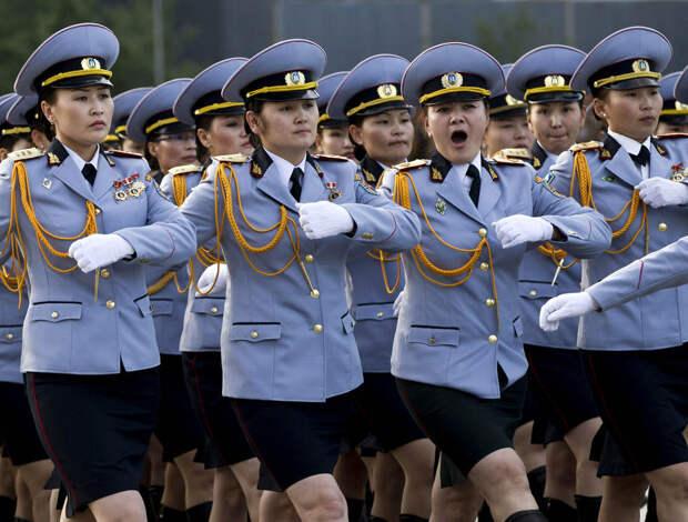 Монгольские женщины-военнослужащие
