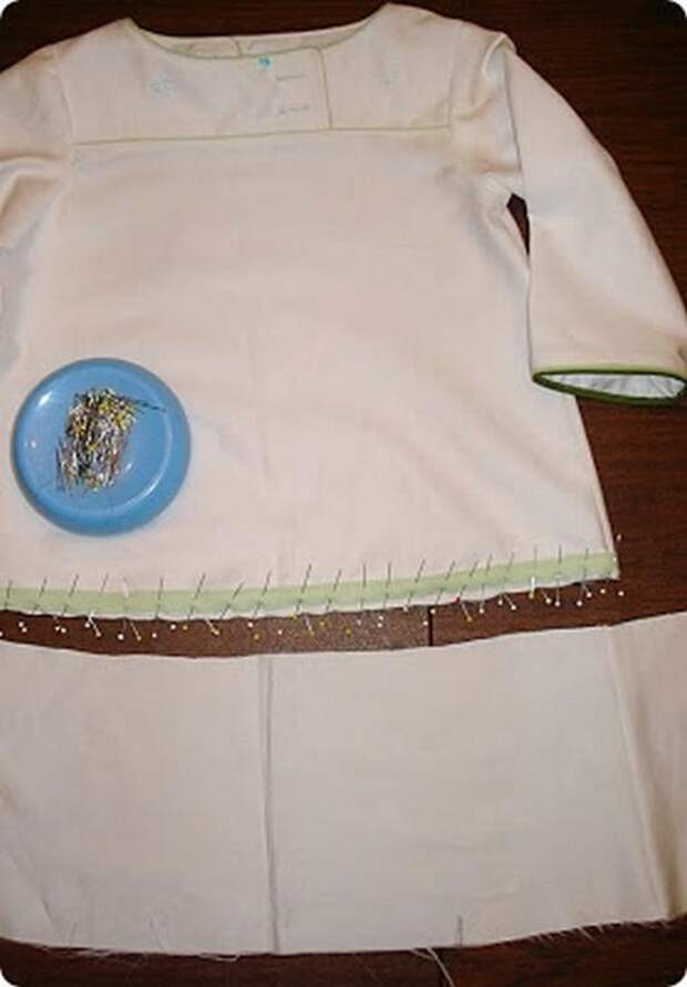 Шьем нарядное платье для девочки своими руками