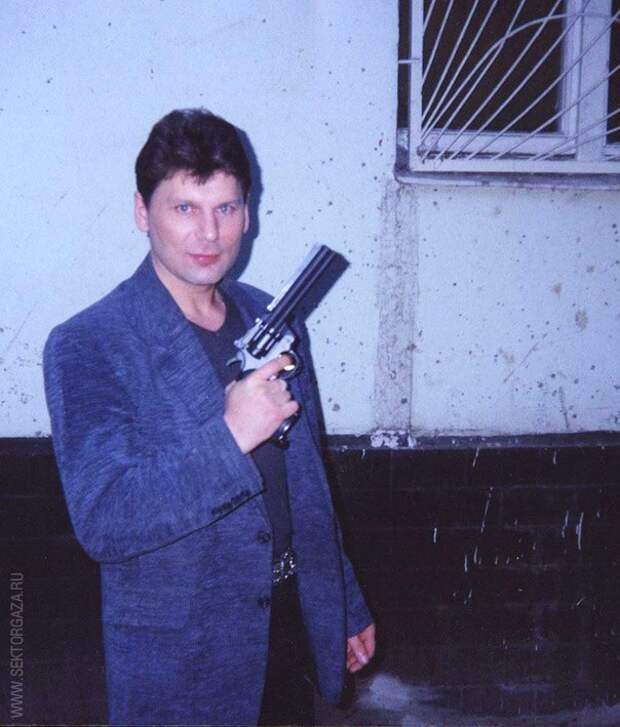 18 лет назад ушёл из жизни лидер группы «Сектор Газа» Юрий Клинских (Хой).